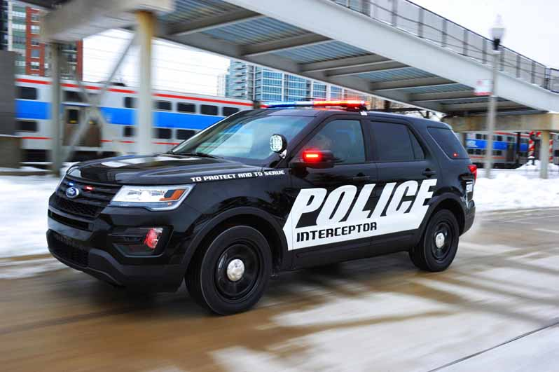 Ford_Police_Utility_4