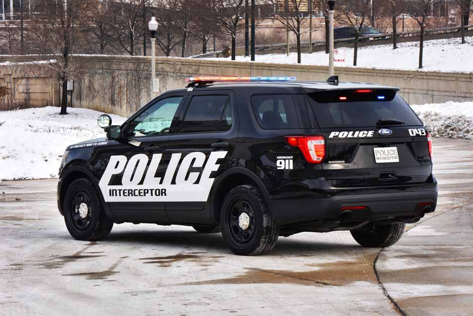 Ford_Police_Utility_5