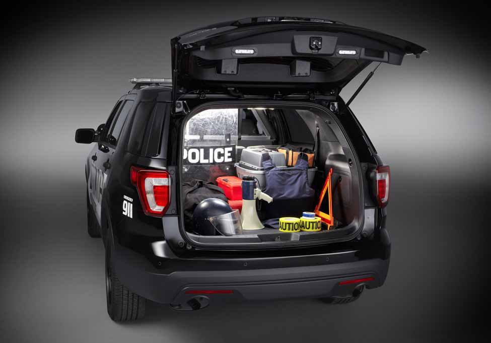 Ford_Police_Utility_6