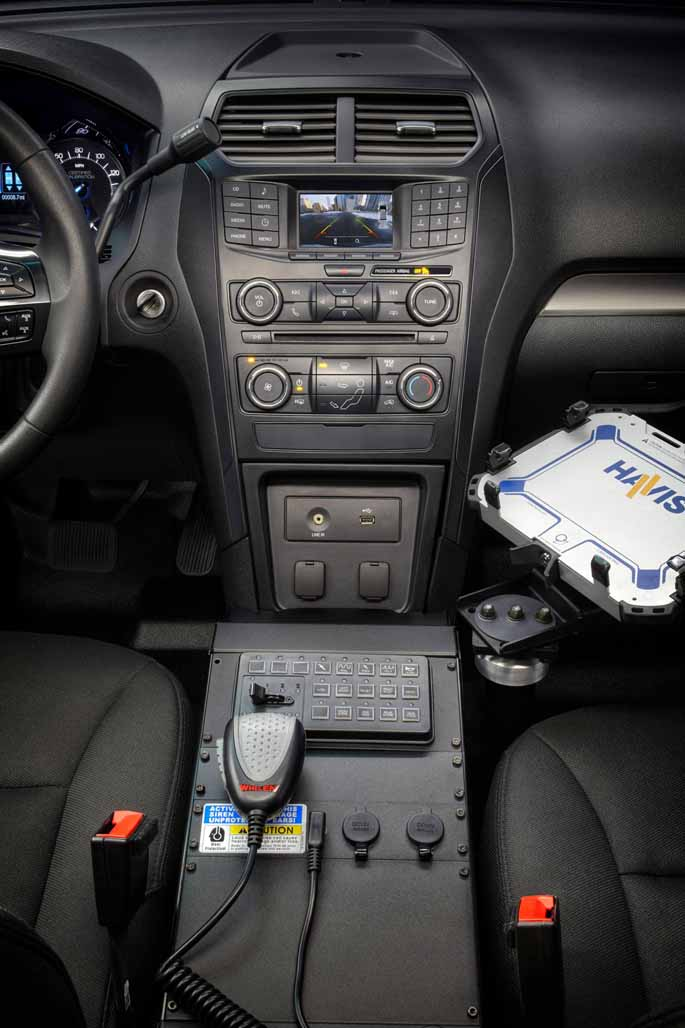 Ford_Police_Utility_8
